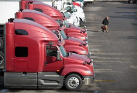 Oregon's trucking industry seeing shortage of truck drivers